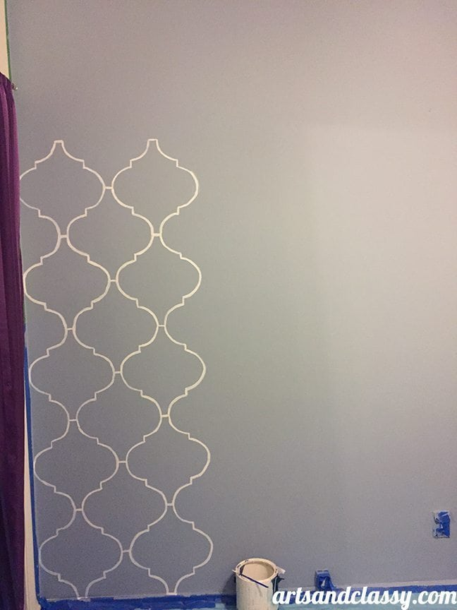 How To Create and Inexpensive and Elegant Moroccan Stencil Wall at www.artsandclassy.com