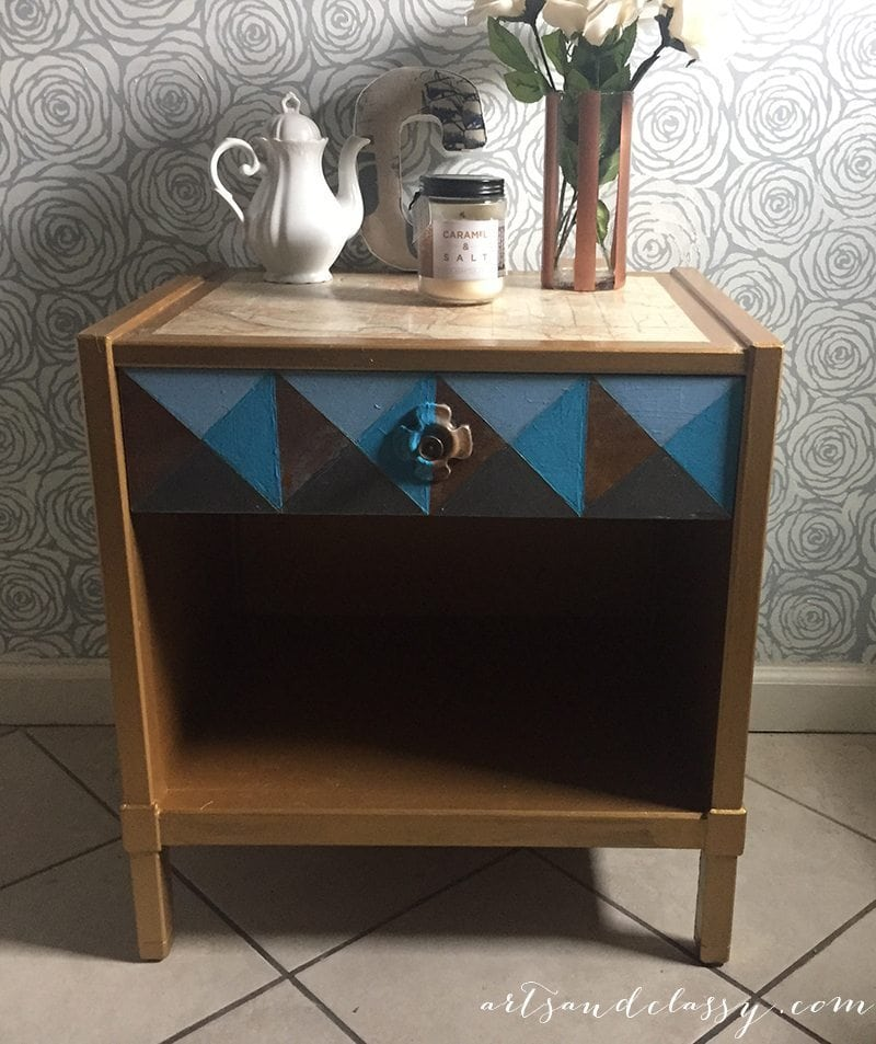 Mid Century Modern Table Geometric Painted with Modern Masters Metallic Paint via www.artsandclassy.com