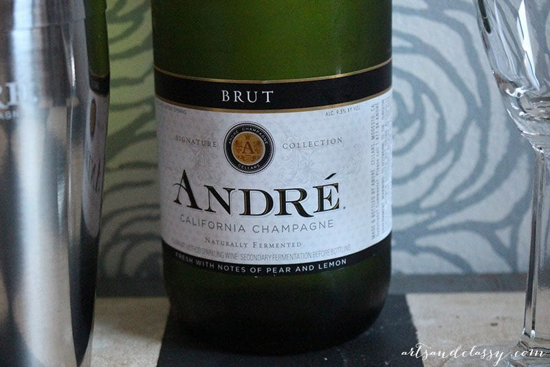 Epic with Andre DIY Guestbook Upcycled Champagne bottle 15