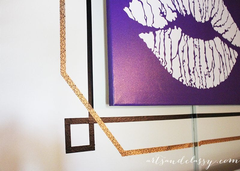 DIY Frame perfect for apartment and budget decorating via www.artsandclassy.com-12