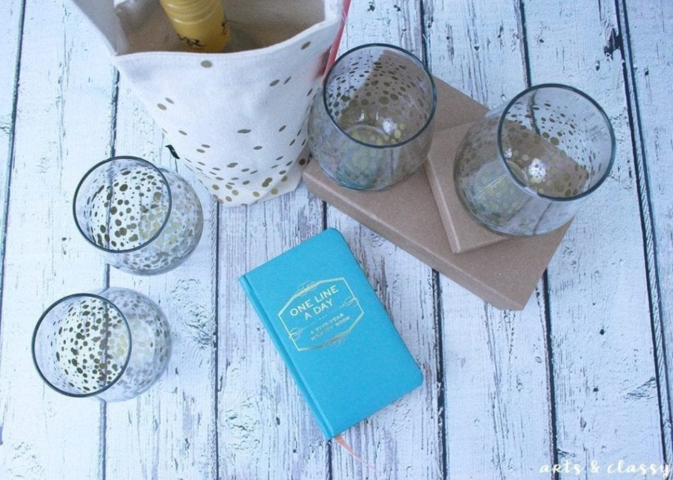 Easy DIY Christmas Gifts Idea - Glam Stemless Wine Glasses-02