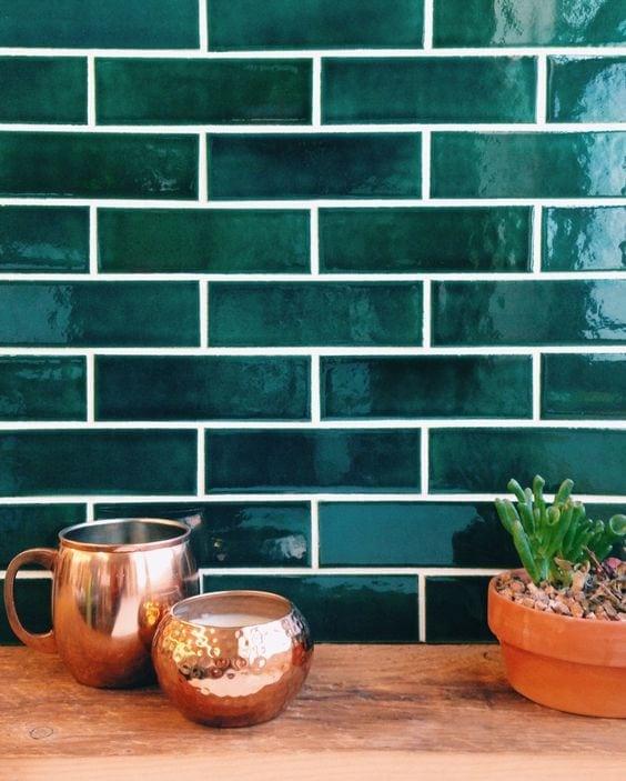 Emerald Green Interior Decor Trends + Inspiration