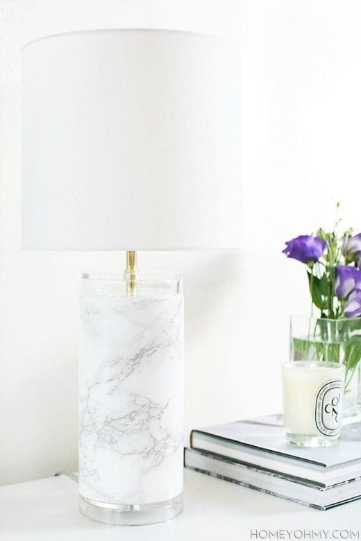 DIY Faux Marble Lamp - These DIY Faux Marble Decor tutorials are surprisingly easy and budget friendly. Whether you want to tackle a faux-finish or use marble contact paper, there are DIY ideas for every decorator | faux marble counter tops, coffee tables, and decor accessories.