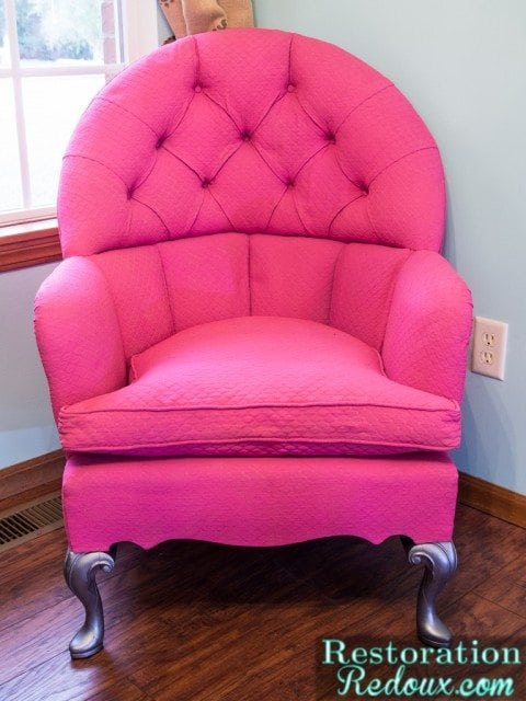 how to paint on fabric - pink armchair